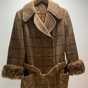 Vintage 1960's winter coat with fur cuffs